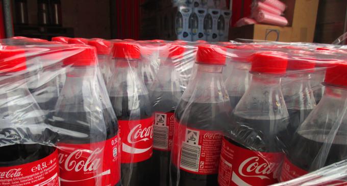 Coca-Cola największym globalnym producentem plastikowych odpadów według Greenpeace