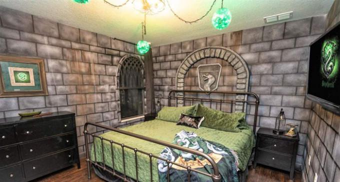 Nocleg dla prawdziwych czarodziejów - ogromny dom w stylu Harry'ego Pottera