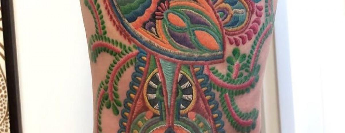 Niesamowite tatuaże, które wyglądają jakby zostały wyszyte w skórze