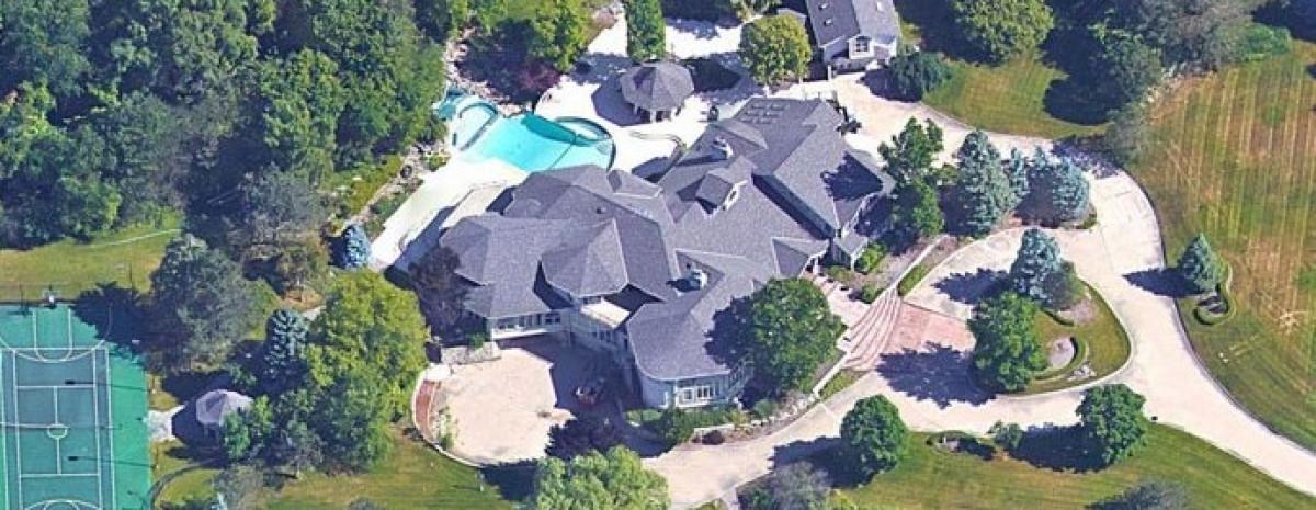 Od zera do milionera - porównanie domów sławnych ludzi kiedyś i dziś
