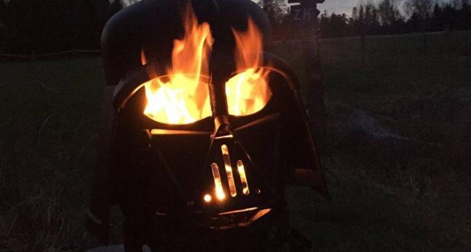 Nauczyciel odkrył Dartha Vadera w butli gazowej i zapalił się do super biznesu kominkowego