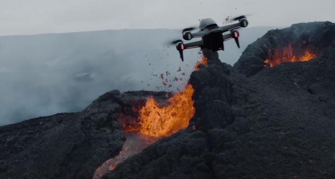 Rzut oka na wrzącą paszczę wulkanu: epickie filmy nakręcone tuż nad erupcją